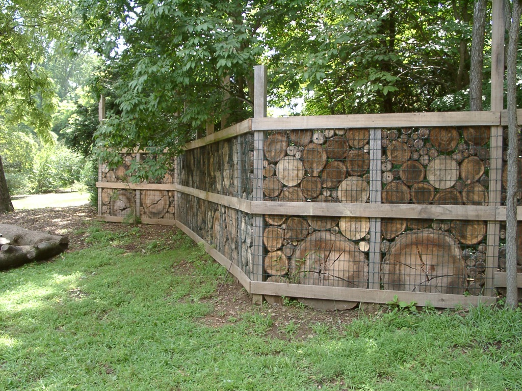 Small Backyard Fence Ideas